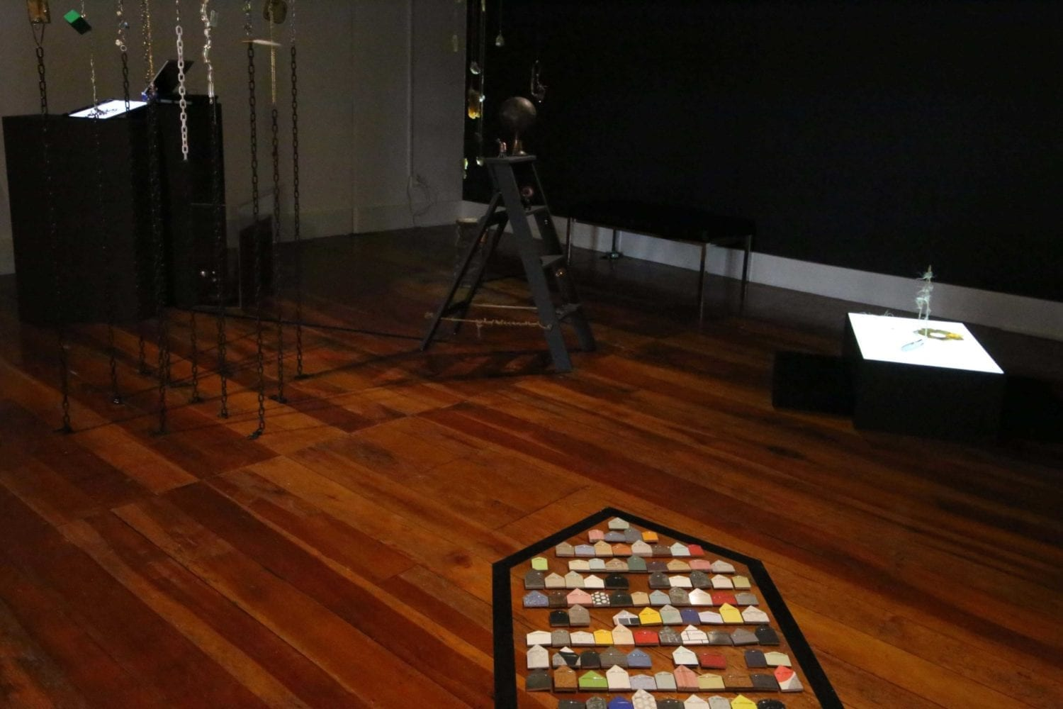 Overview, dark room1